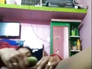 Girls using vegetables as dildos Hungry indian wife dildoing her horny pussy vegetable