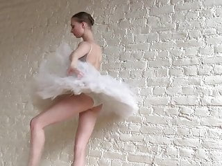 Flexible cunt Flexible ballerina annett naked classic