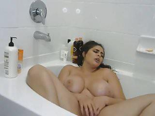 Dan sex Dans son bain