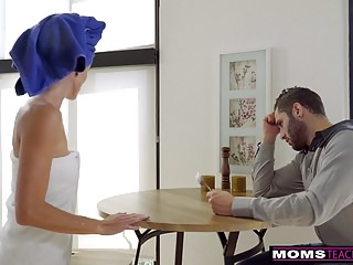 Mom and i fuck my boyfriends - Momsteachsex - i fuck my friends mom for practice s7:e6