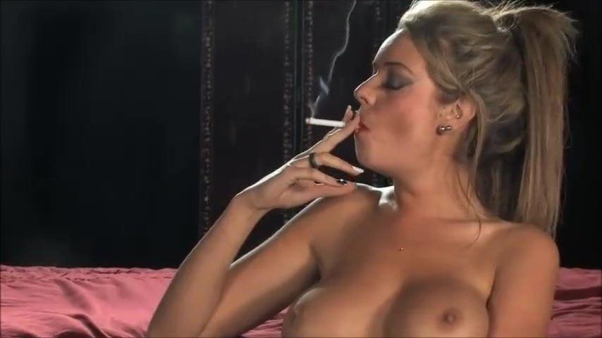 Nude Pix HQ Lorraine kelly upskirt pics