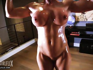 Nude female as centerpiece Female bodybuilder nude muscle workout