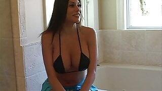 Im Badezimmer die Milf mit mega Titten vernascht