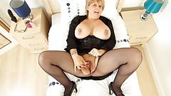 Busty mum Alexa has a jolly good time with dildo