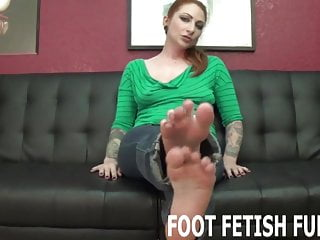 Jerk off my Let me show off my sexy feet for you while you jerk off