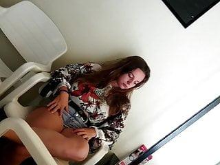 Hot leg porn Hot teen waiting legs