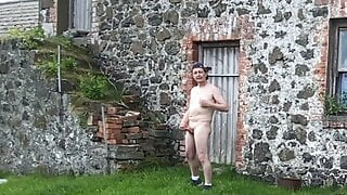 Outdoor naked wank for daddy with cum shots