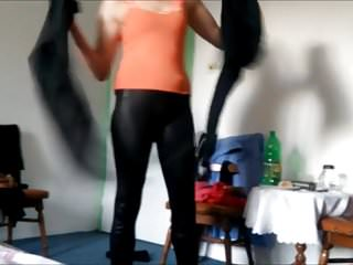 Amateuer home sex videos Cameltoe spandex teen amateuer shiny legings