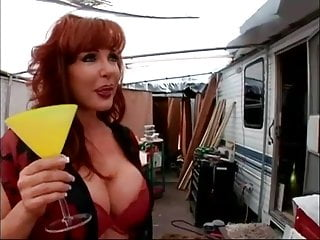Ass park - Trailer park milf gets fucked