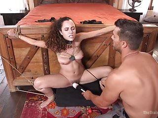 Cock suckng bondage - College girl does bdsm
