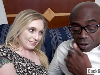 Caught wife sucking dick - Husband caught on her wife sucking a bbc