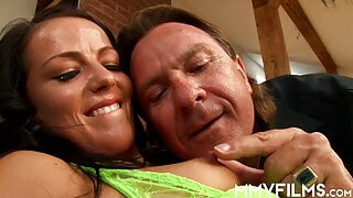 Sinful babe sharing her hubby with a friend