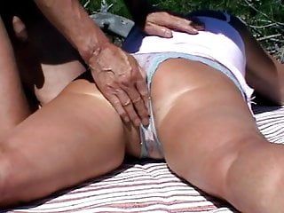Sex outdoor porn pussy - Voyeur interrupts pussy fingering