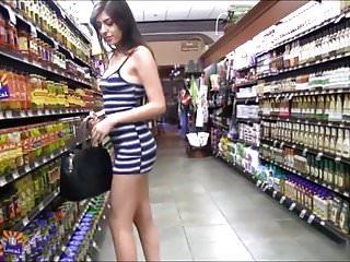 Nude american hotties - Brunette hottie nude in public