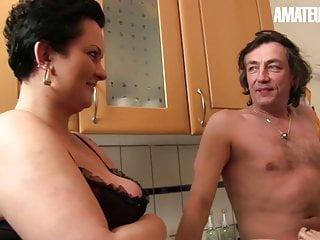 Netmeeting cam sex Amateureuro - bbw granny erna indulge in hot ffm on cam sex