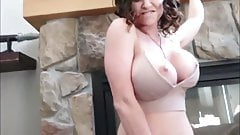 MILF with a big butt has sex