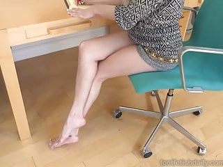 Husband pussy their who wife worship Elsa has fun in office with her assistant who worships feet