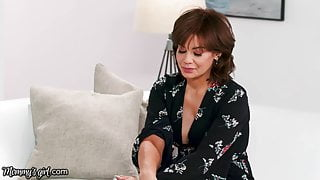Mommy's Girl Gia Derza Can't Stand New Stepmom, Until...