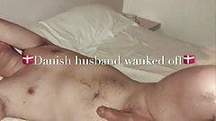 Marido danés masturbado