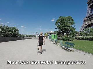 Paris pic upskirt - Dans paris, nue sous une robe transparente