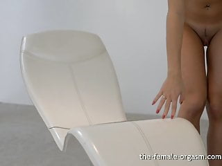 Hold her tits until she comes Hot babe masturbates her big pussy and labia until she cums