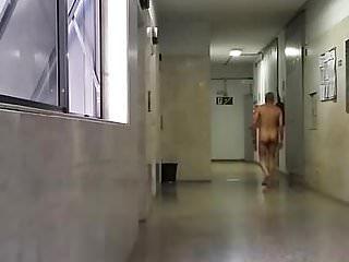 Pelado vagina completa Pelado no corredor do ap