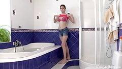 Stunning hsiry Halmia takes a soapy bath before masturbating