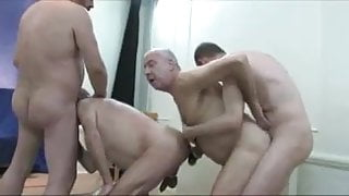 4 stepdaddies play