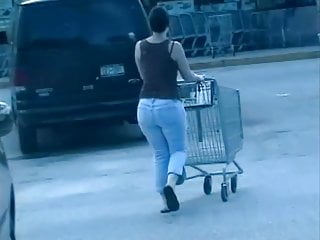 Peeing tight blue jeans Candids - big booty tight blue jeans