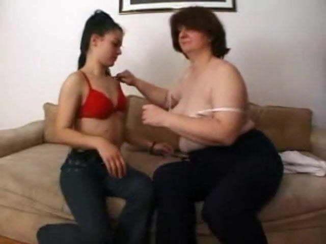 Femme Mature Avec Jeune