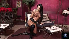 Christina Bella plugs her pussyhole with a big fat dildo