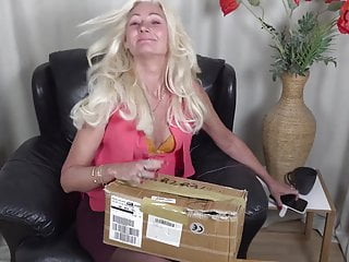 Blonde hairy mature - Hairy mature squirts from fucking machine