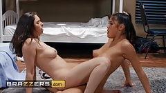 Горячие телочки Casey Calvert и Kendra Spade обожают сидение на лице