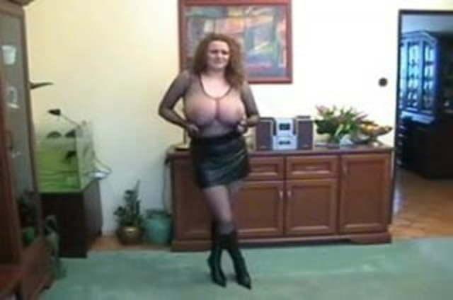 Gigantische brüste agnes
