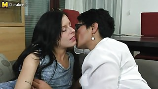 Daughter fucks mature lesbian not her step mom