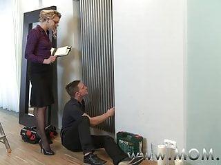 Handyman adult Mom milf seduces the handyman
