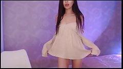 Soft Korean cam girl orgasm