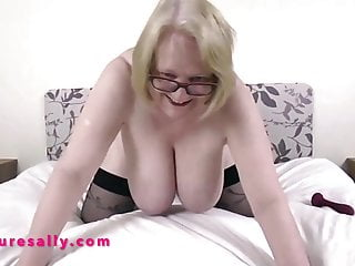 Free old woman sex pix An old woman fucking her pussy with a sex toy