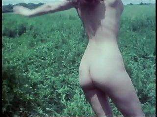 Sandra lee bikini nude Sandra julien nude 1972 in dany la ravageuse