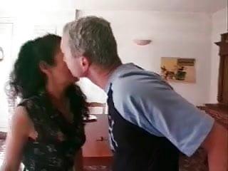 Adult entertainer menage - Femme de menage baiser