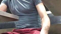 Boy wets himself in restraunt
