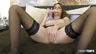 Smoking Hot Milf Loves a Vibrator in her Shaved Pussy