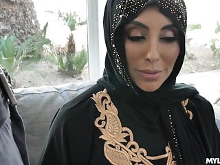 Muslim Wife Porn Videos | xHamster