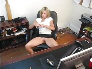 Masturbation spanking - I was on my lunchbreak