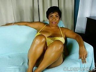 Super soaking vaginas Super sexy mature black bbw fucks her soaking wet pussy