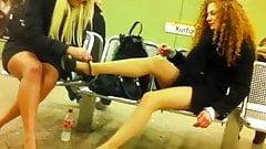 Zwei Fussnutten in der U-Bahnstation Ku'damm!