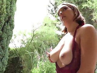 Sexy handjob cum Giulia lov very sexy and hot