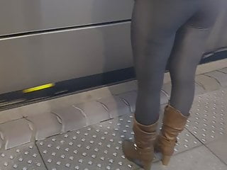 Tall sexy women fuck Perfect ass of tall sexy french blonde in legging