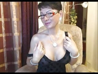 Porn sites with streaming shows - German lady showing her round tits on a chat site-1