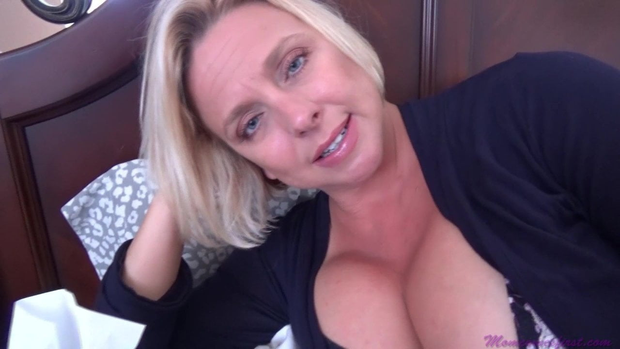 Free download & watch mother s day from step son mom comes first xhxMCgD porn movies